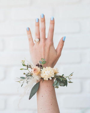 Corsage - neutral dried fresh Flowers
