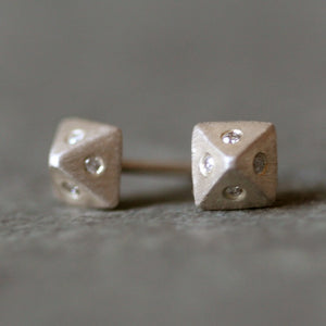 Low Pyramid Stud Earrings in Sterling Silver with 8 Diamonds