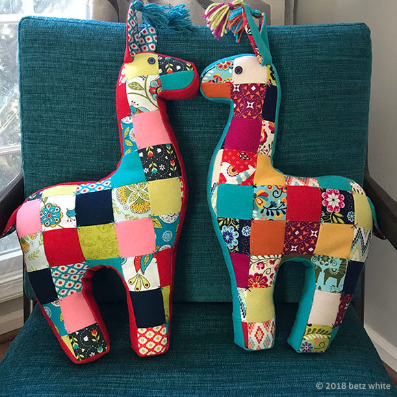 Patchwork Llama Pillow PDF PATTERN