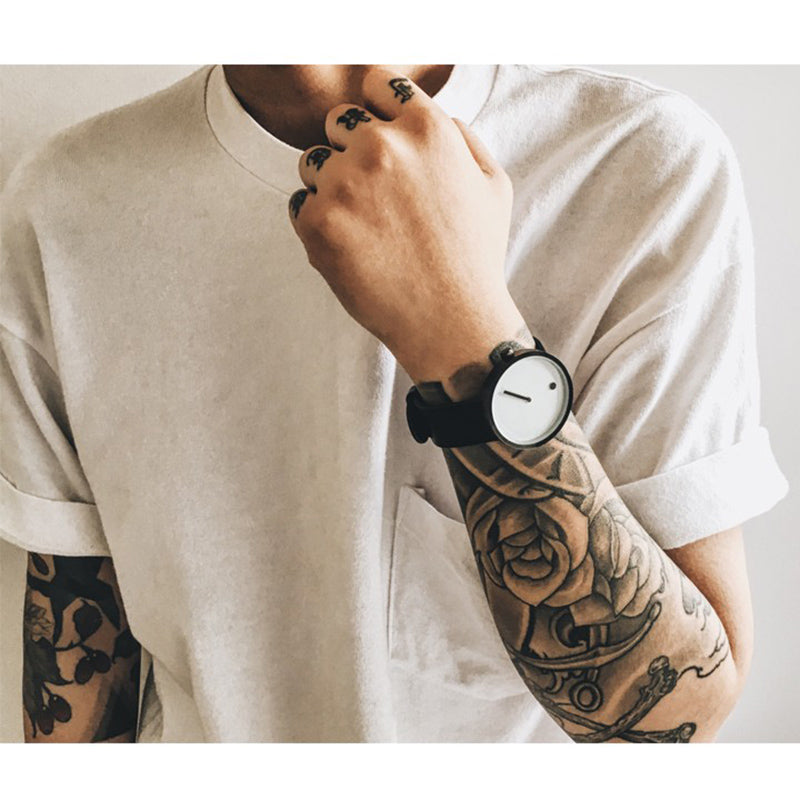 Creative Quartz watch men Casual Black quartz-watch Simple strap