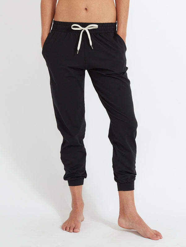 Performance Jogger in Heather Grey - DrishtiYoga