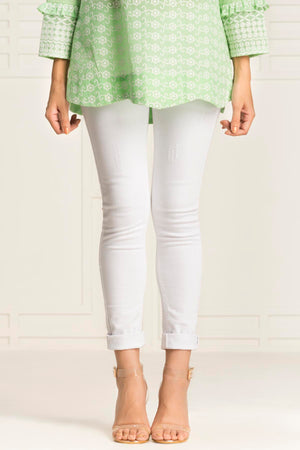 White Basic Jeans With Ripping
