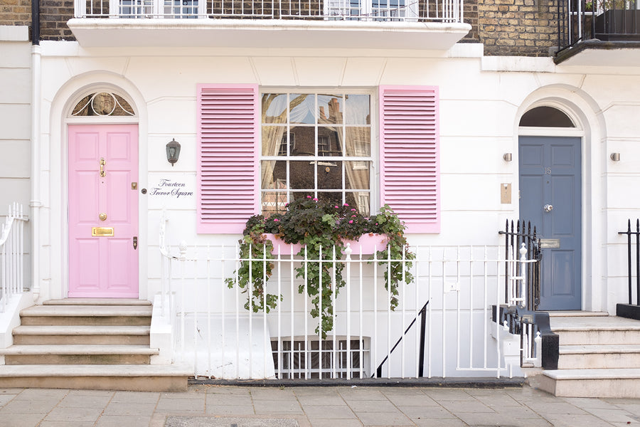 Pink Door in London - Every Day Paris