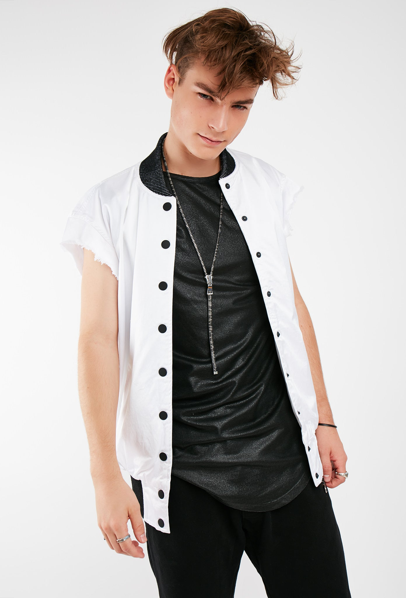 Corey Cut-Off Jacket White