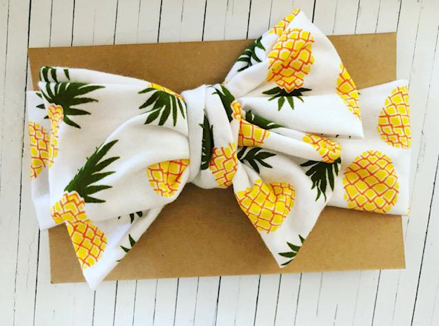 TROPICAL PINEAPPLE BOW
