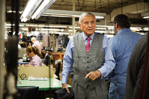 "A boy who survived the Auschwitz refinery, to a master of Taylor's highest peak. 88-year old active ceremony ""Fashion of making suit"" [JAPANESE]"
