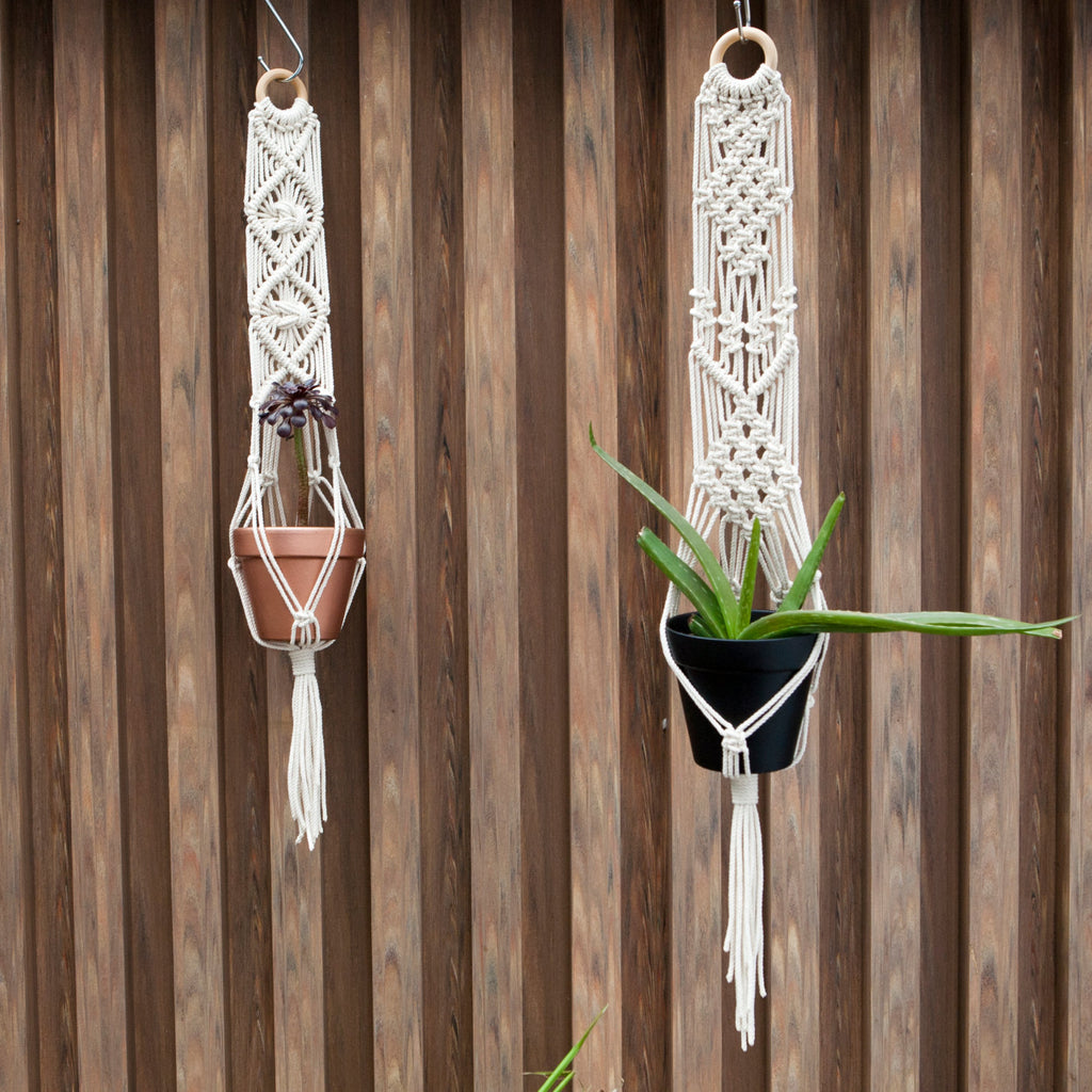 Small Macrame Plant Hanger - Macrame Macrame - Homeware Lekker Project - Sustainable LekkerProject - Lekker Project