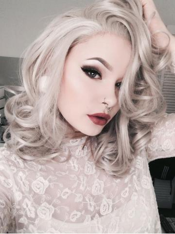 products/Short_Cool_Sliver_Grey_Wavy_Synthetic_Lace_Front_Wig_1.jpg
