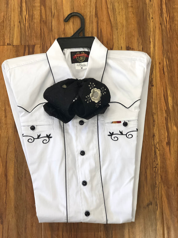 CAMISOLOA CHARRA BLANCA CON BORDADO Y DIES EN COLOR NEGRO. WHITE COLOR  CHARRO SHIRT WITH BLACK EMBROIDERY WITH BLACK BUTTONS , HerraduraDeOro - HerraduraDeOro