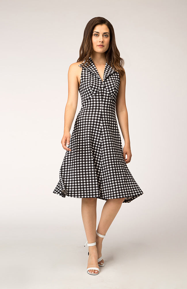 Fit & Flare Halter Dress Black & White Plaid. Robe à carreaux noir et blanc.