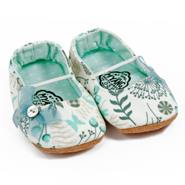 Pumps / Girls - White and Aqua Fern - M0096