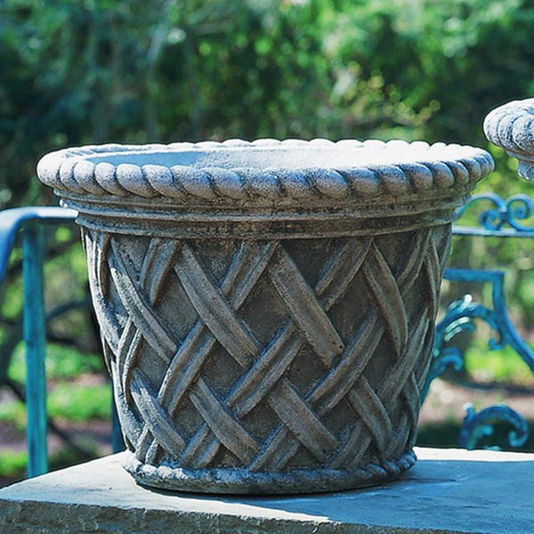 English Weave Medium Garden Planter - Soothing Company