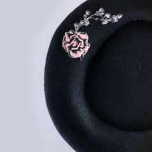 Load image into Gallery viewer, Rose Wool Beret