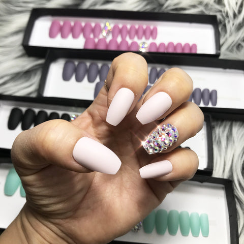 DAZZLE  PINKWHIP CRYSTAL ACCENT SOLID NAIL SET