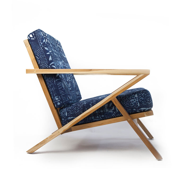 LINE-CHAIR-EYO-MODERN-LOUNGE-CHAIR-WITH-OTTOMAN