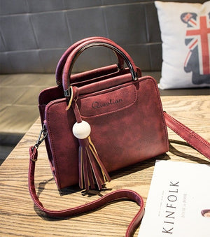 Free shipping, 2017 new women handbags, simple fashion flap, trend tassel woman messenger bag, Korean version shoulder bag. - Zamavi.com