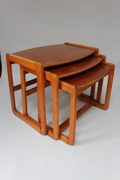 1960s Vintage Solid Wood Quadrille Nesting Tables