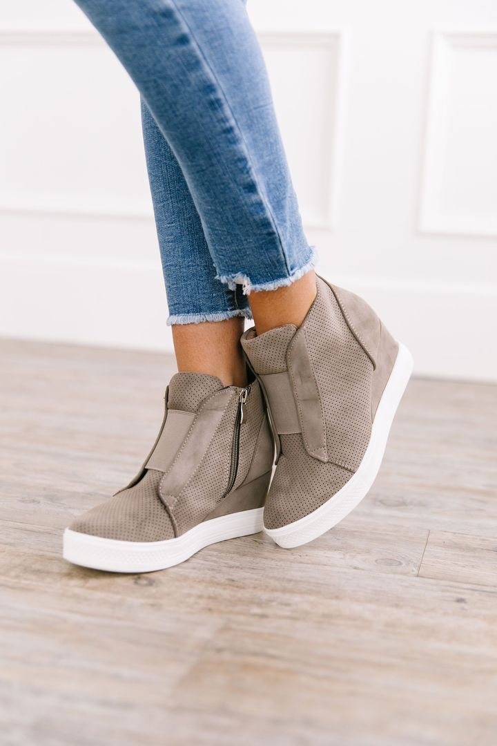 Zoey Wedge Sneaker In Taupe