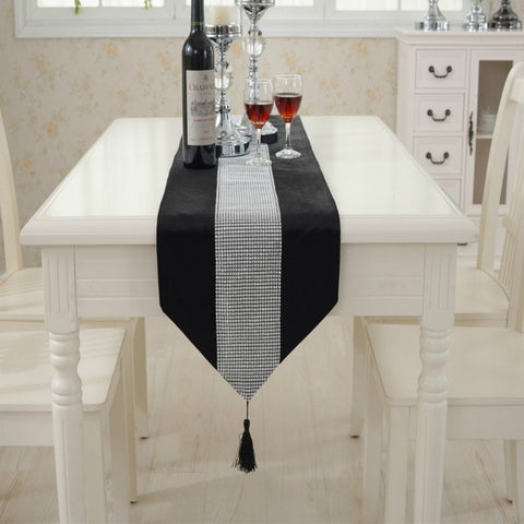 Diamante Table Runner Thick Velvet - Gidli