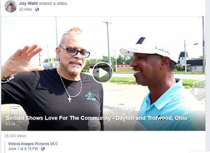 SINBAD SHOWS LOVE FOR THE COMMUNITY
