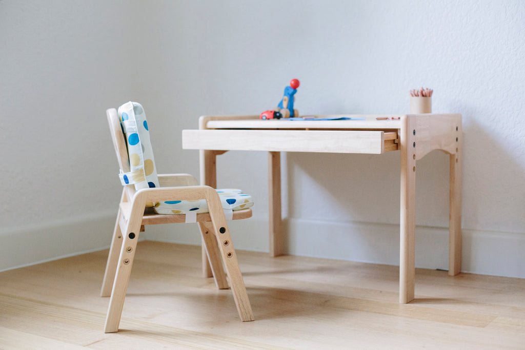 Why the Adjustable Table and Chair Set is the best new thing in children furniture!