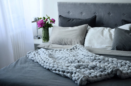Chunky Knit Throw Blanket - Light Grey (B-78)