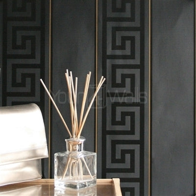 "VERSACE - GREEK KEY STRIPE'Versace' Designer Black Stripe satin feel wallpaper Motif Wallpaper!Clear, straightforward meander (""Greek Key"") at Versace embody the masculine principle. In large format, the restrained tone-on-tone patterns of satin wallpapers unfold in shades of gold, silver, jet black and cream is a great, extravagant expression.Width 70cm x Length 10m"
