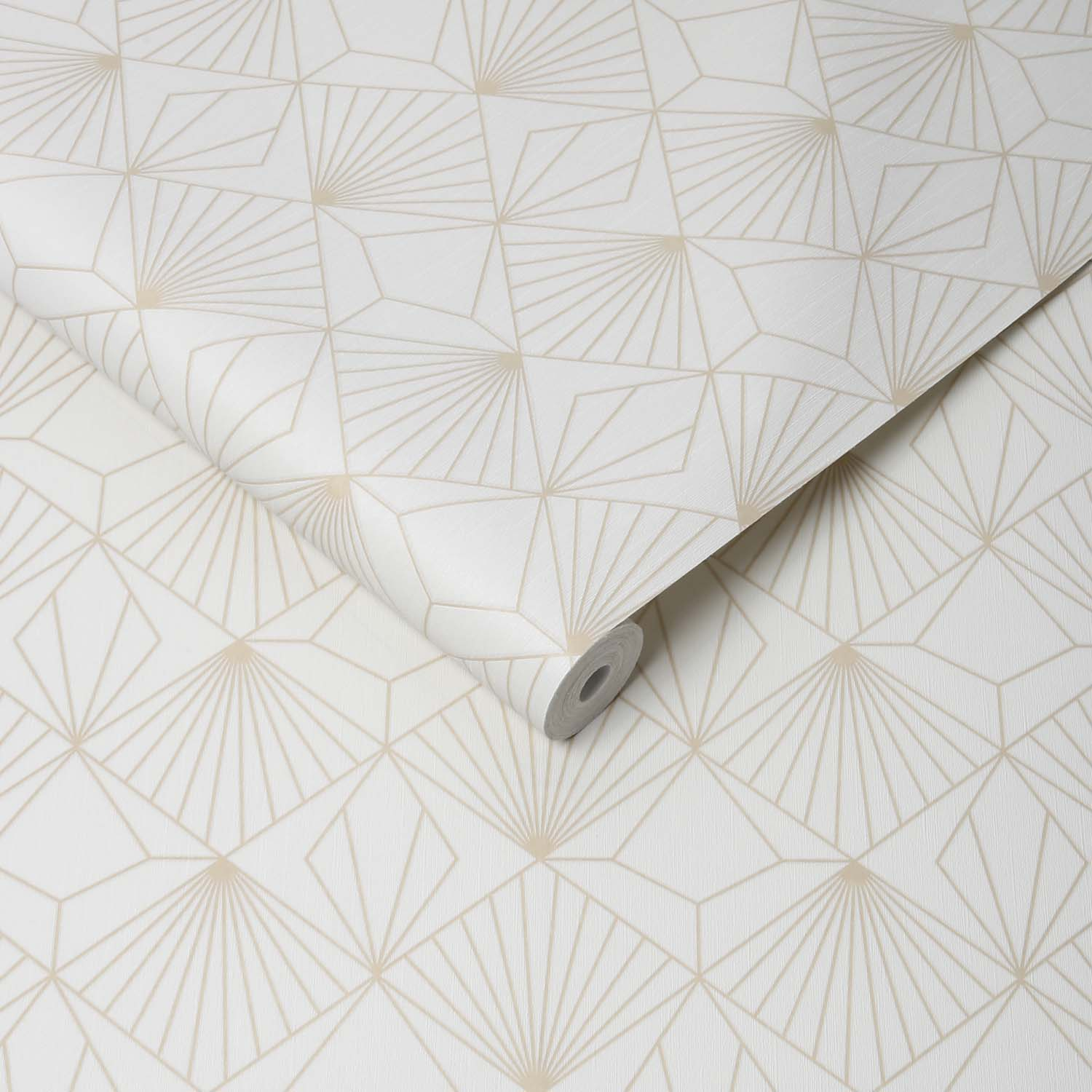 Art Deco Abstract Diamond Tile Effect Geometric Wallpaper | Off White and Gold
