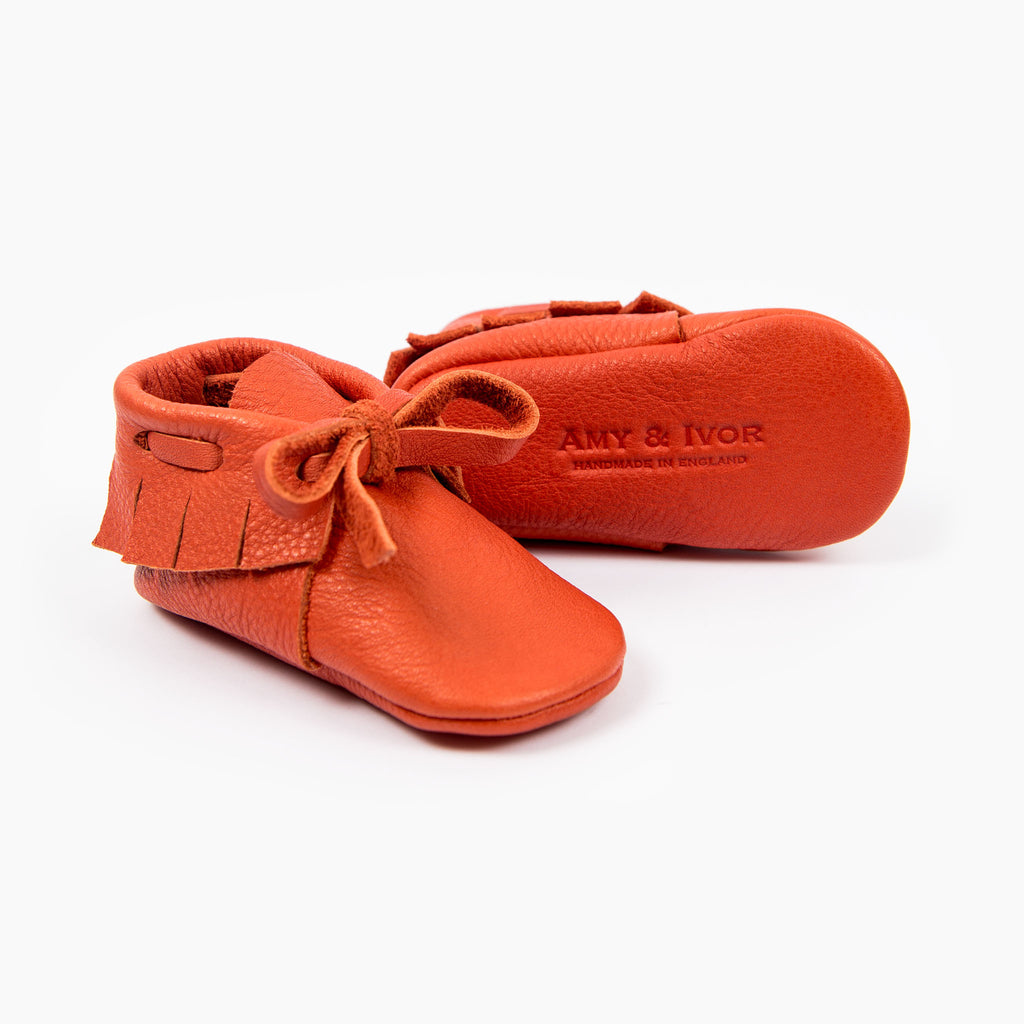TOMATO LACED MOCCASINS
