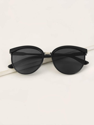 Black Plain Frame Tinted Lens Sunglasses