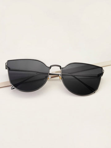 Black Metal Frame Cat Eye Sunglasses