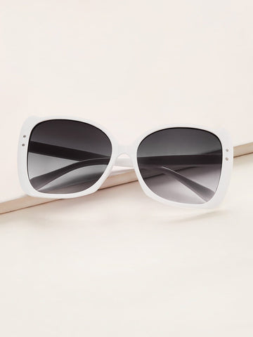 White Rivet Decor Flat Lens Sunglasses