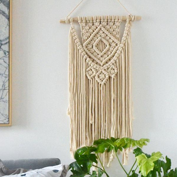 The Macramé Craze - A Knotty Hobby