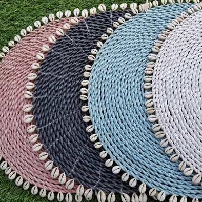 Colored Raffia Placemats With Cowrie Shells - Canggu & Co