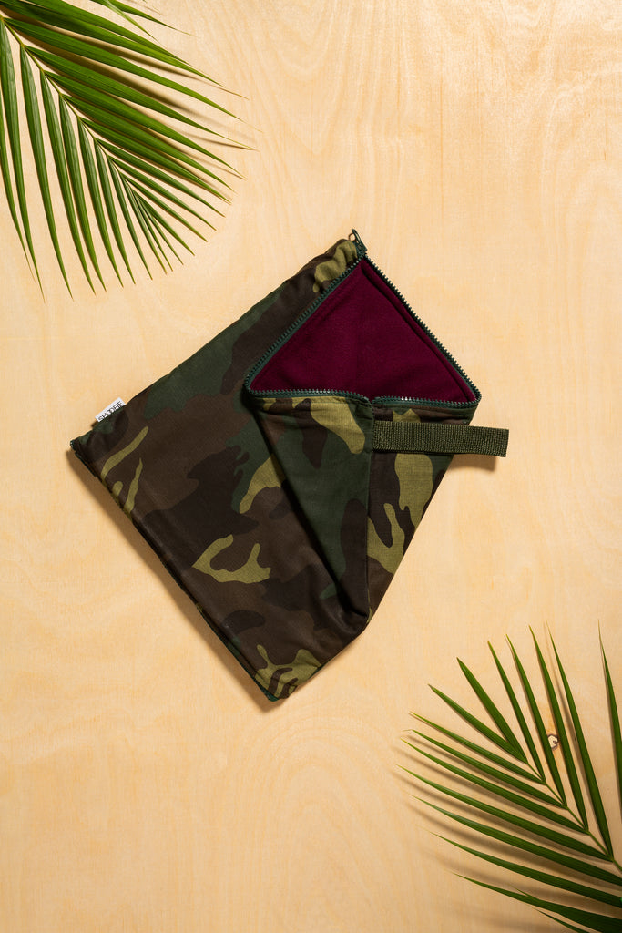 SHOOFIE shoe bag in Green Camo print with burgundy lining