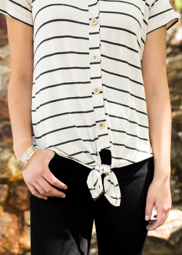 Forget Me Knot Tee - Oatmeal - Sparrow Noir