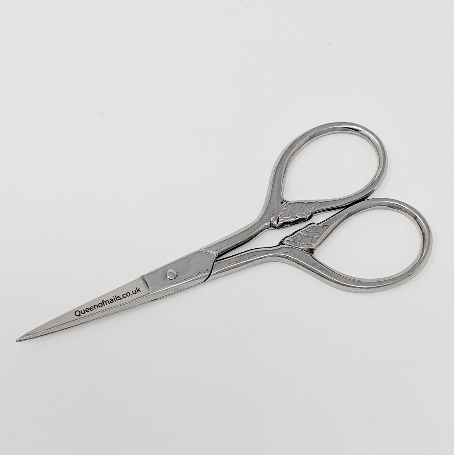 Simple-Scissors-UK-Wholesaler-Supplier-queenofnailscouk
