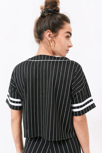 2019 Graphic V-Neck Button-Up Baseball Cropped T-Shirt - Black