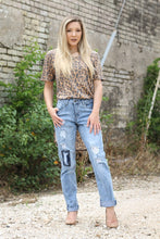 Lightwash Distressed Boyfriend Jeans