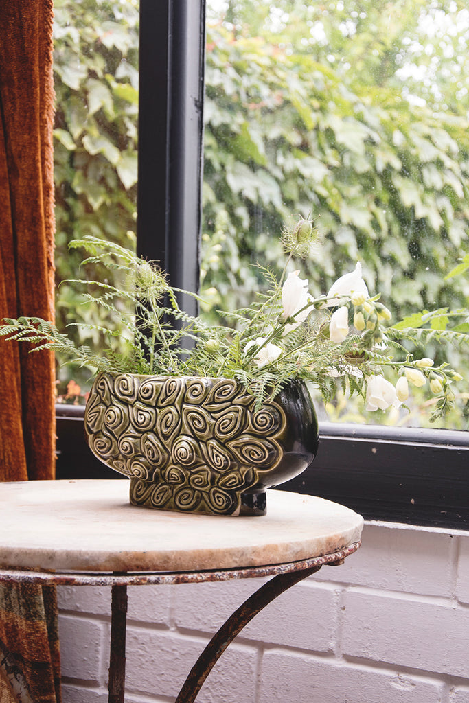 green vintage vessel, flower vase. decorative homewares dig haushizzle