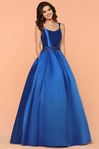 Ball-Gown Scoop Neck Ball Gown Prom Dress with Beading Sash