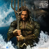 Mezco Toys One:12 Collective: Aquaman Justice League Action Figure