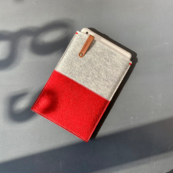 iPad mini 5 felt sleeve in red and grey