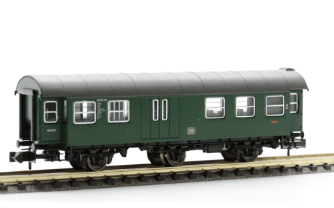 Fleischmann 8097  3-axled, 2nd class Passenger coach with baggage compartment, of the DB - The Scuderia 46