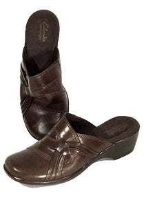 Clarks Bendables Clogs Slip On Mules Brown Leather Comfort Heel Womens 7 M - Preowned - FunkyCrap Boutique