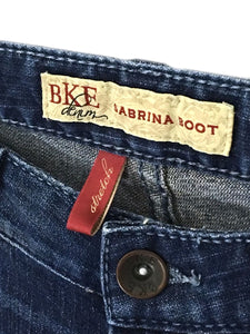 BKE Sabrina Boot Stretch Distressed Jeans Women's 2 Tag 26x31.5 Measures 28x30 - Preowned - FunkyCrap Boutique