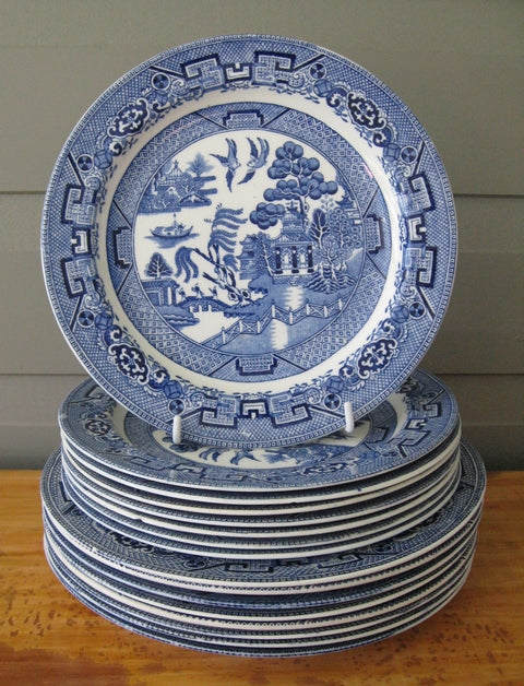 Wood & Sons Woods Ware Willow pattern dinner & breakfast plates c1917+ total of 17 pieces