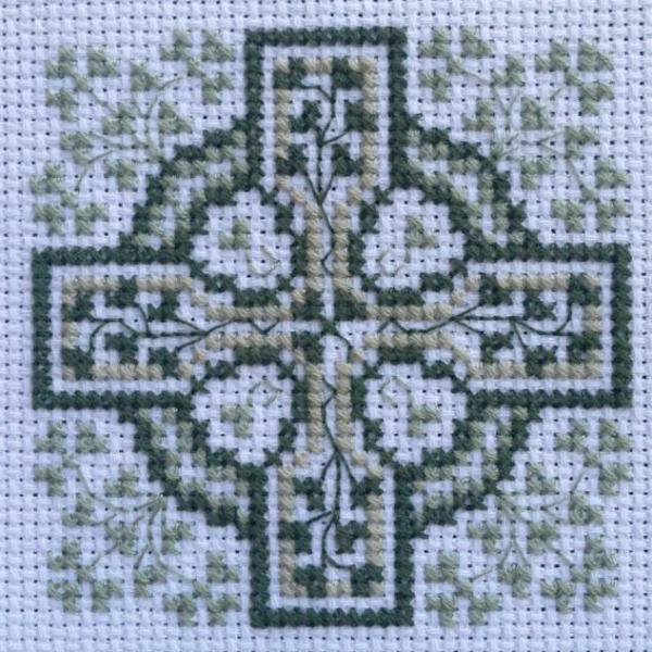 Claddagh Cross Stitch Shamrock Cross - Cross Stitch Pattern