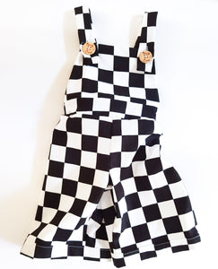 Finishing flag overalls