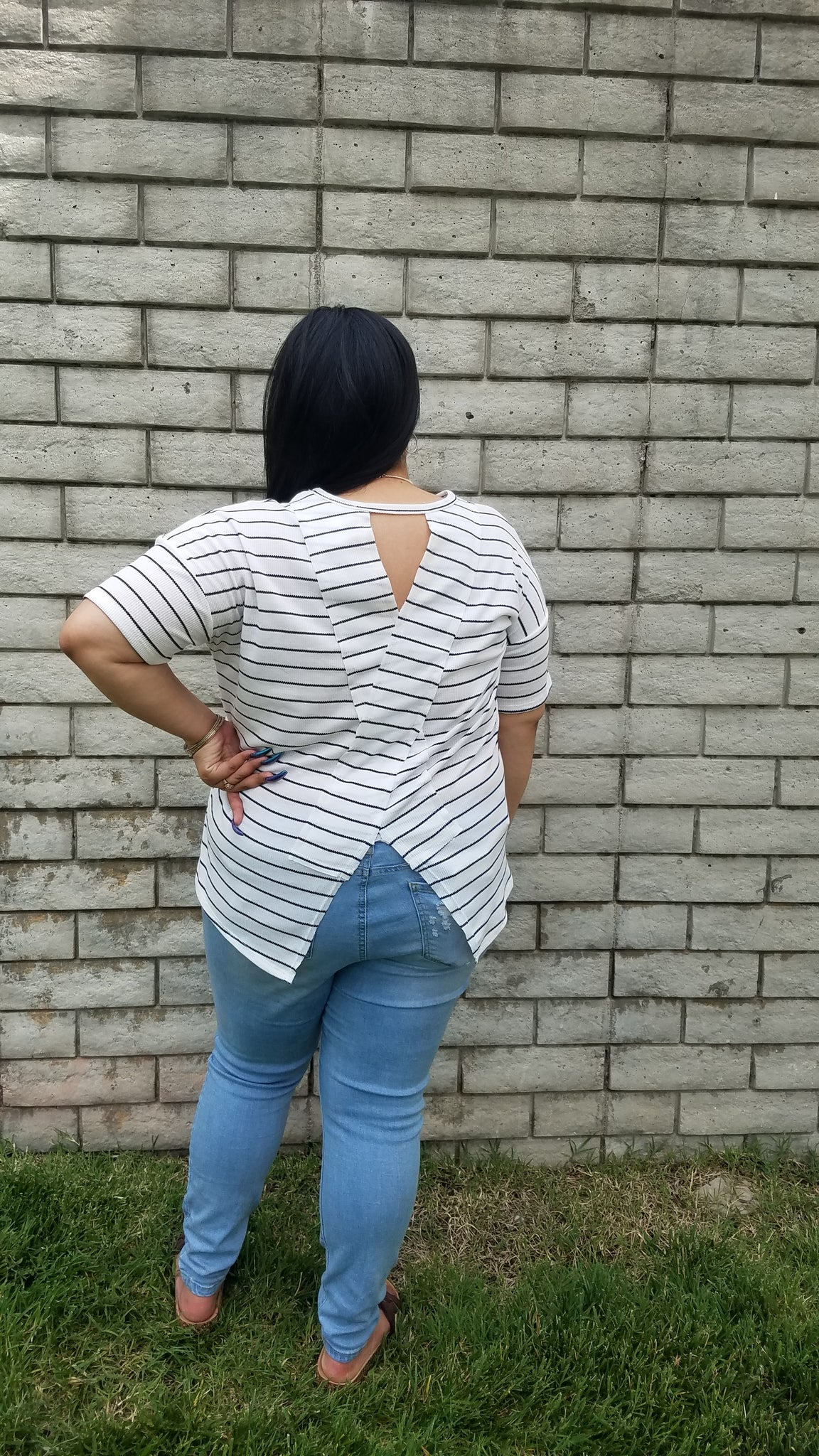 SS Ivory Striped Top w Back Cut Out